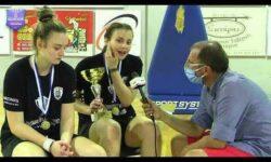Κάλη και Έλενα Μιχαηλίδου συνομιλούν με τον Γιώργο Ζαχαριάδη μετά την κατάκτηση του πρωταθλήματος ΝΕΑΝΙΔΩΝ της ΕΚΑΣΘ από τον ΠΑΟΚ ΚΥΑΝΑ (video)